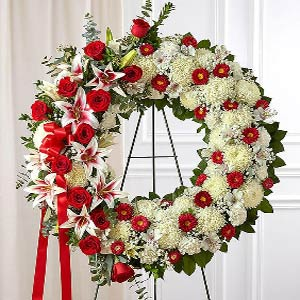 Basking Ridge Florist | Red Rose Wreath